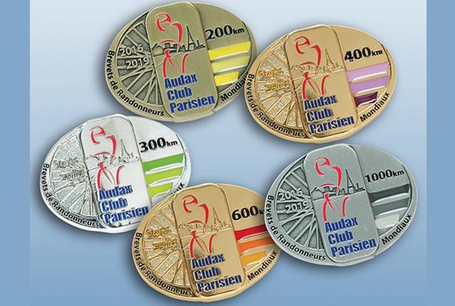 ブルベの完走メダル