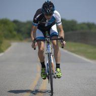 ロードバイクのサドルポジションの決め方